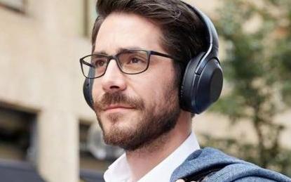 AI智能耳机提醒你注意来往车流,可分辨汽车声音