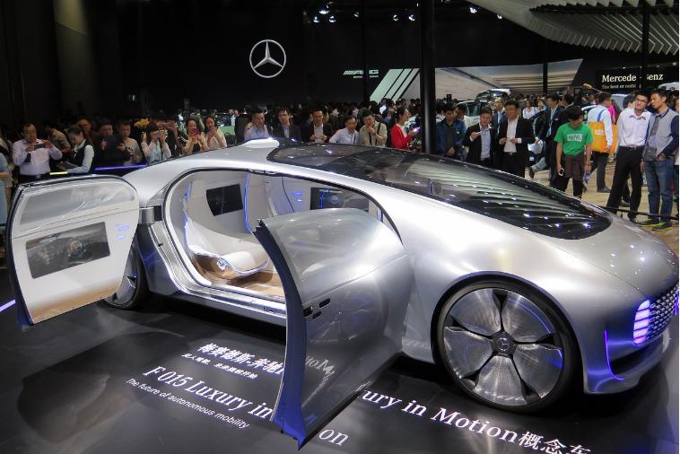 如何解決自動駕駛汽車的技術安全性
