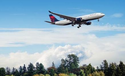 达美航空计划在2050年前实现50%的碳减排