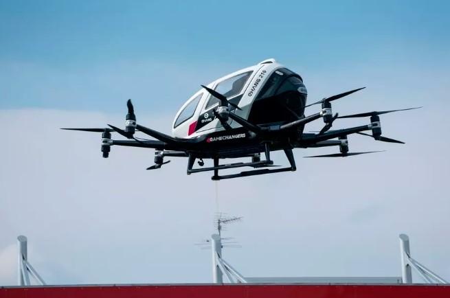亿航双座无人驾驶电动飞机美国试飞演示
