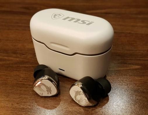 微星发布全新CH40真无线耳机,采用白色收纳充电...