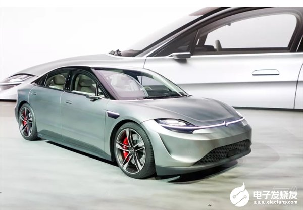 索尼Vision-S电动概念汽车就长这样 超大全景天窗与非传统样式后视镜设计彰显科技与设计美学