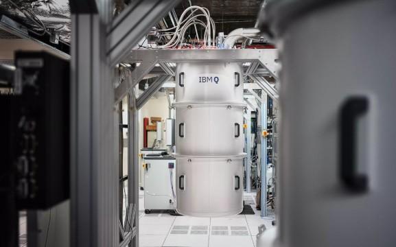 IBM利用量子計(ji)算機研發新(xin)型鋰電池,替(ti)代(dai)現有鋰離...