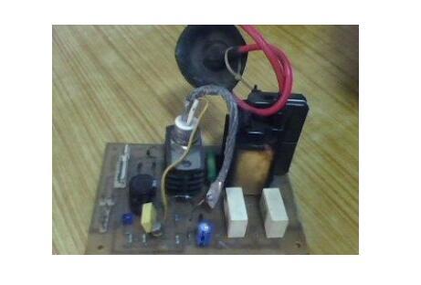 彩电行输出变压器输出电压是多少