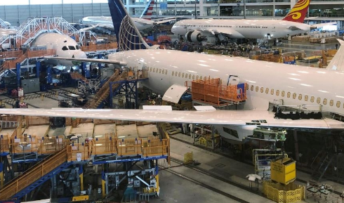 波音预计到2020年底将会把787梦想客机的月产量从14架降至12架