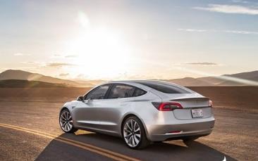 特斯拉完全自动驾驶功能即将推出 将可通过Tesla网络出租车服务为车主赚钱