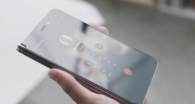 微软Surface Duo优化Android系统,铰链连接了两个显示屏