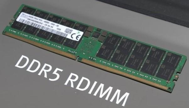 SK Hynix展示DDR5存(cun)儲器模組,支持(chi)DD...