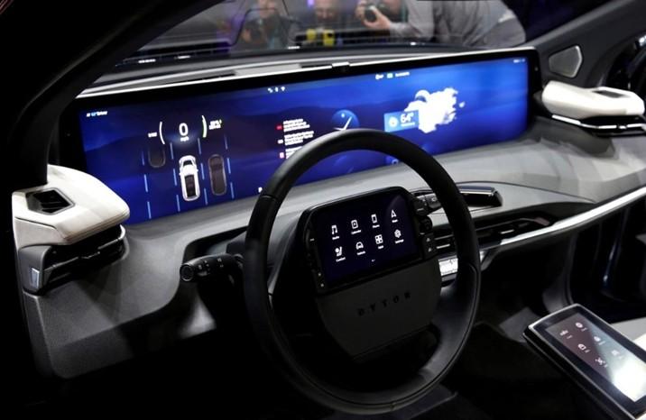 科技巨头想把汽车变成拥有智能手机的功能