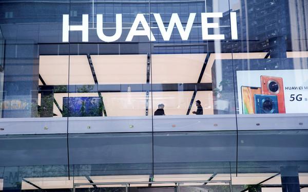 华为公布5G手机出货量破690万台 红米总裁却这...