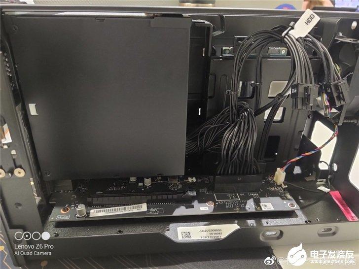 联想拯救者显卡坞的内部展示,内置标准ATX电源与500w电源