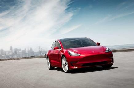国产特斯拉Model 3开启了降价活动起售价将低于30万元
