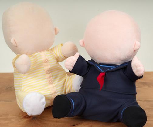 日本机器人公司Vstone推出了一款婴儿机器人