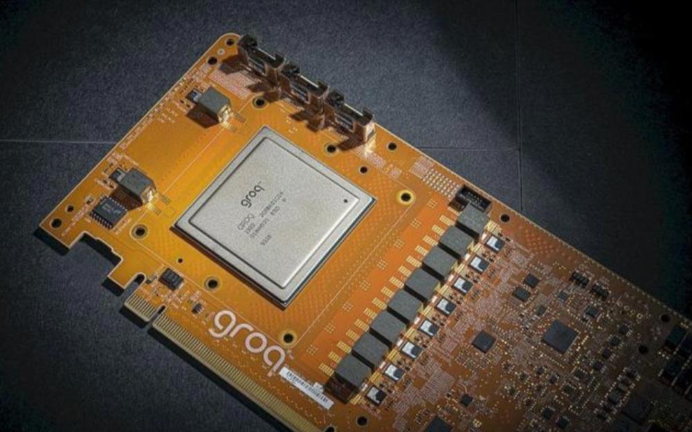 Groq发布全球首款每秒1000万亿次运算的AI加速卡