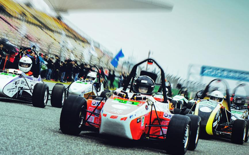 軟件定義未來,MathWorks助力中國大學生方程式汽車大賽十年煥新出發!
