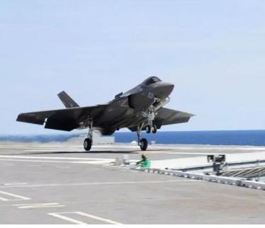 美国海军将在未来30年内投入巨资来购买下一代战斗机和攻击机
