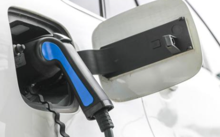 電動汽車和插電混動汽車哪個更適合居家使用