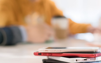新聞:黑莓手機將停產 歐盟擬強推通用手機充電器 谷歌母公司凈利增19%