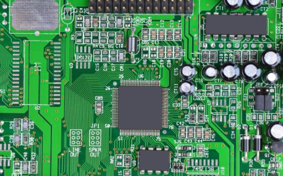 5G带旺PCB厂砸500亿扩产