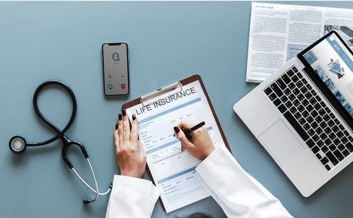 大香蕉网站听诊器可以通过倾听病人的呼吸来诊断肺炎