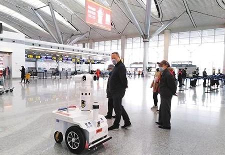 升级版5G警用巡逻机器人测体温误差在0.5℃以内