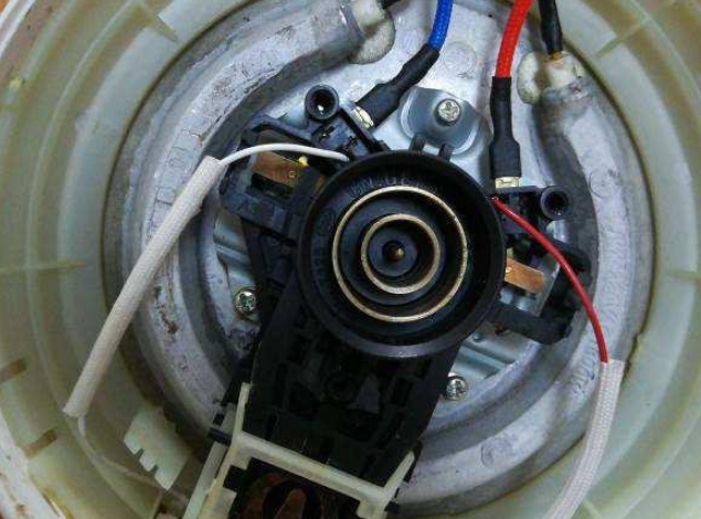 电热水壶温控器的连接线路坏了怎么修