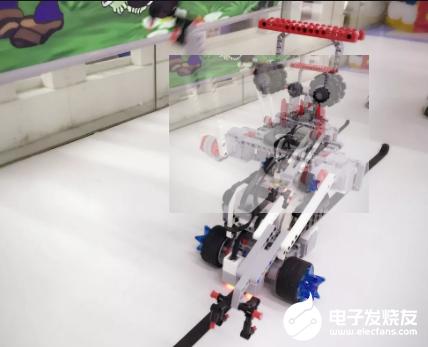 猎户星空机器人上线 助力抗疫一线建设