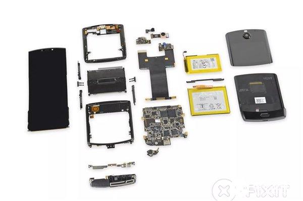 """摩托罗拉Razr被iFixit评迄今最复杂的手机 且用""""大量工业成就""""形容结构设计"""