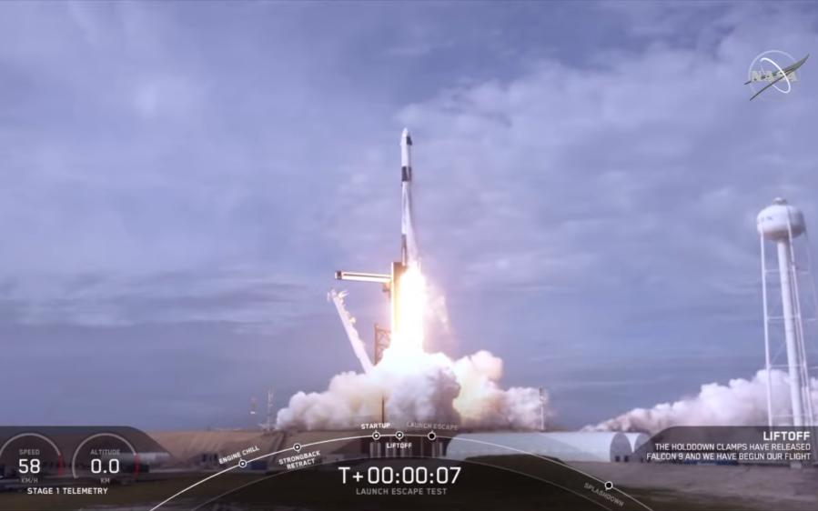 马斯克创造人类航天新壮举!空中炸毁火箭,然后成功...