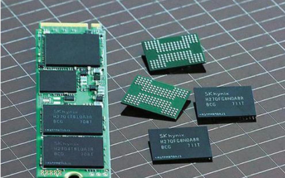 牛津大学团队研发出新型存储单元,实现芯片级光通信
