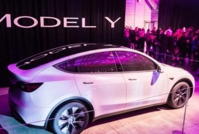 特斯拉Model Y投产车型照片晒出,车身设计发生改进