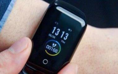 真无线耳机附体智能手表,运动听歌新姿势