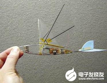 微型無人機亮相 在軍事領域有著廣泛的應用前景