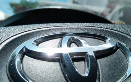 丰田致力于混动汽车,比纯电成本更低