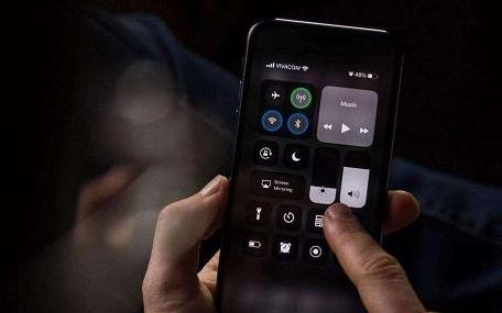 iOS系統流暢度好,為什么沒有類似的