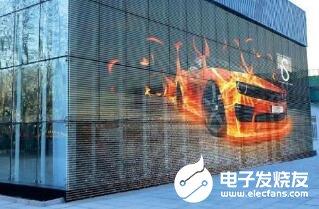 LED透明屏使(shi)用注意事項(xiang)_LED透明屏的保養(yang)維護(hu)