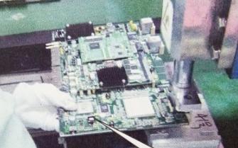 单手拿PCB板将会对电路板造成怎样的危害