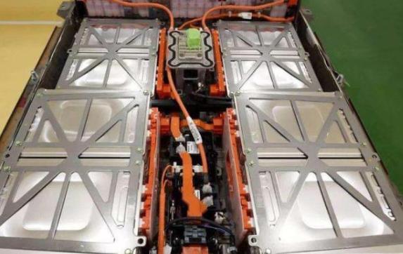 电动汽车的日常使用,给电池充多少电合适