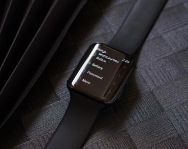 OPPO智能手表真机图曝光,采用双曲面柔性显示屏...