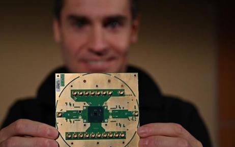 Intel首款低溫控制芯片有什么特點