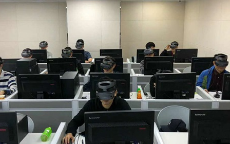 疫情来临后,虚拟现实技术起到了很大的作用