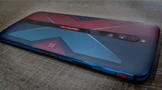 紅魔5G游戲手機真機照曝光,采用后置豎排三攝方案