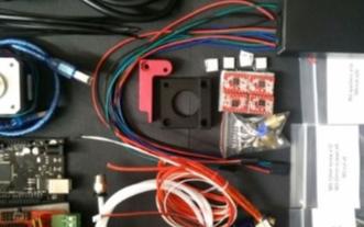 基于Arduino与电子垃圾打造出3D打印机