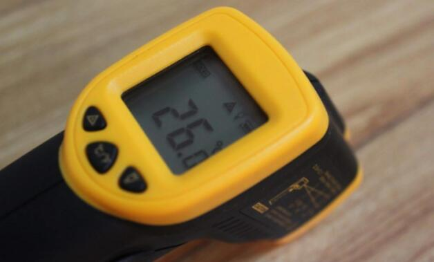 測溫槍怎么校準_測溫槍測溫度多少距離最準