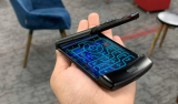 新款摩托罗拉Razr是目前最酷的智能手机