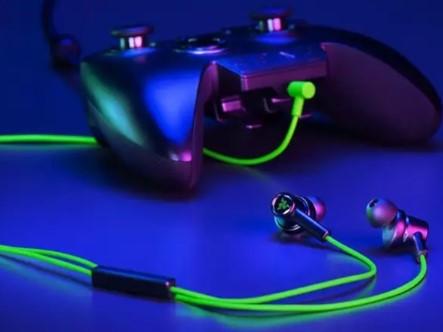 雷蛇战锤狂鲨双核版耳机拥有全音域音效,3.5毫米...