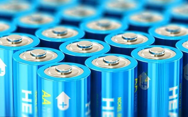 磷酸铁锂电池VS镍钴电池,谁才是最后的赢家?