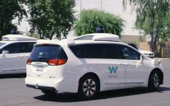 谷歌旗下自动驾驶公司Waymo融资22.5亿美元,员工数量将翻倍增长