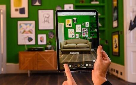 在未来人们将会采用VR/AR技术来进行购物