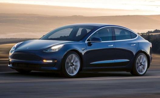 特斯拉Model 3将会升级一种反向召唤功能